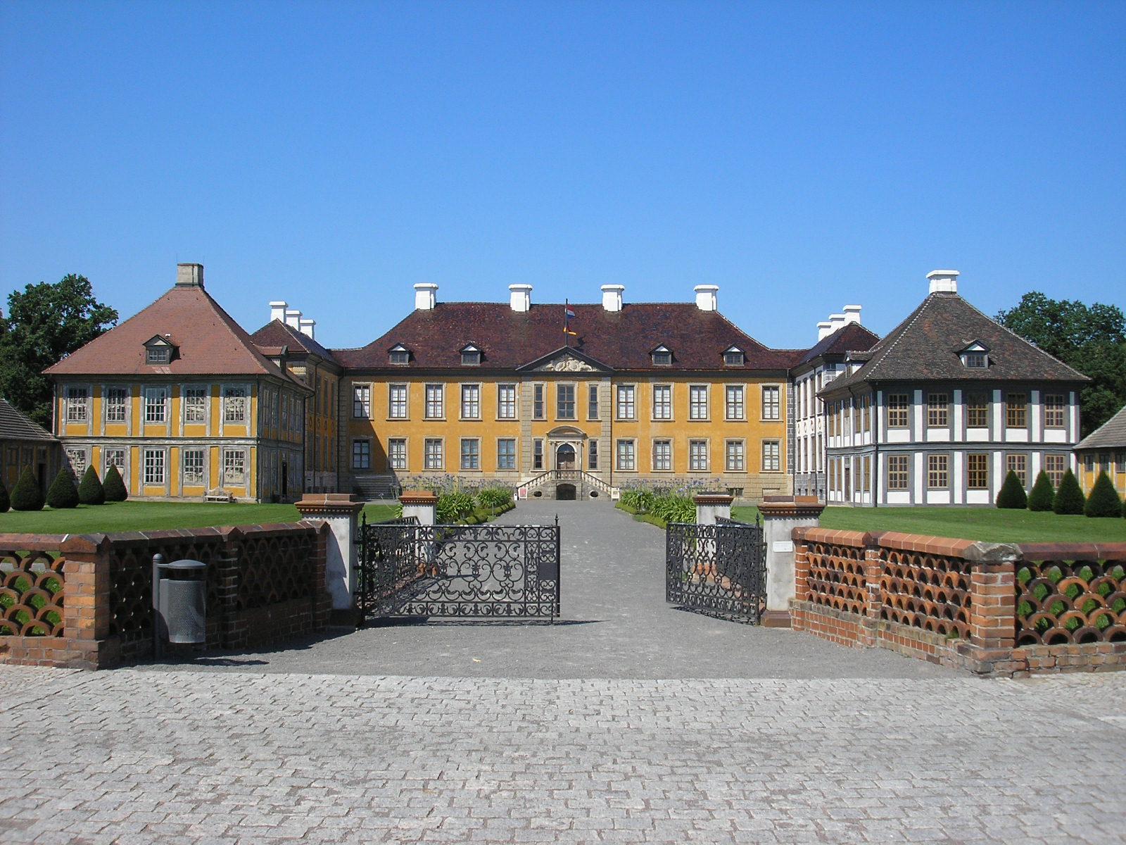 schloss_oranienbaum2 Radverleih Dübener Heide – Ferropolis, Schloss Oranienbaum